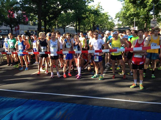 claus runners scc berlin - mercedes-benz-halbmarathon 2016 - bilder